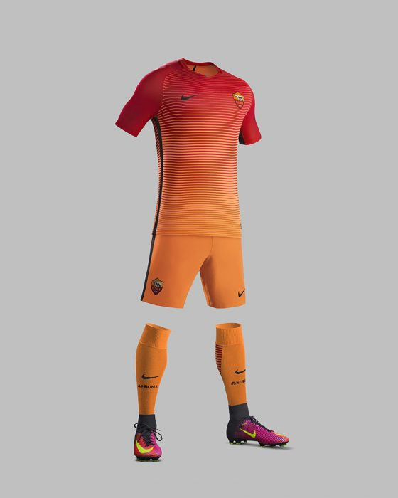 fa16_ck_comms_3rd_full_body_match_as_roma_61979